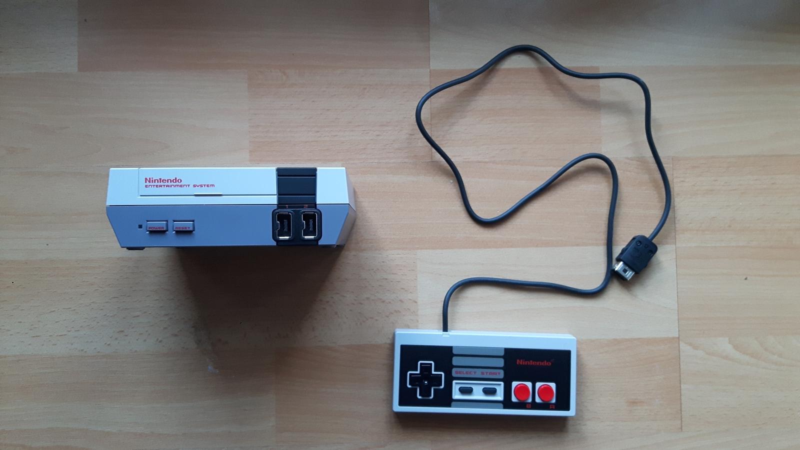 NES Classic Mini mit Controller