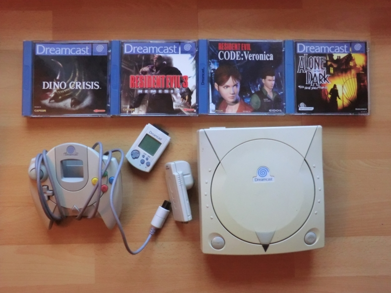 Dreamcast Controller VMU Rumble Pack Dino Crisis Resident Evil 3 Nemesis Code Veronica Alone in the Dark
